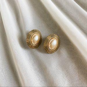 VTG Oval Gold Champagne Pearl Sunburst Earrings